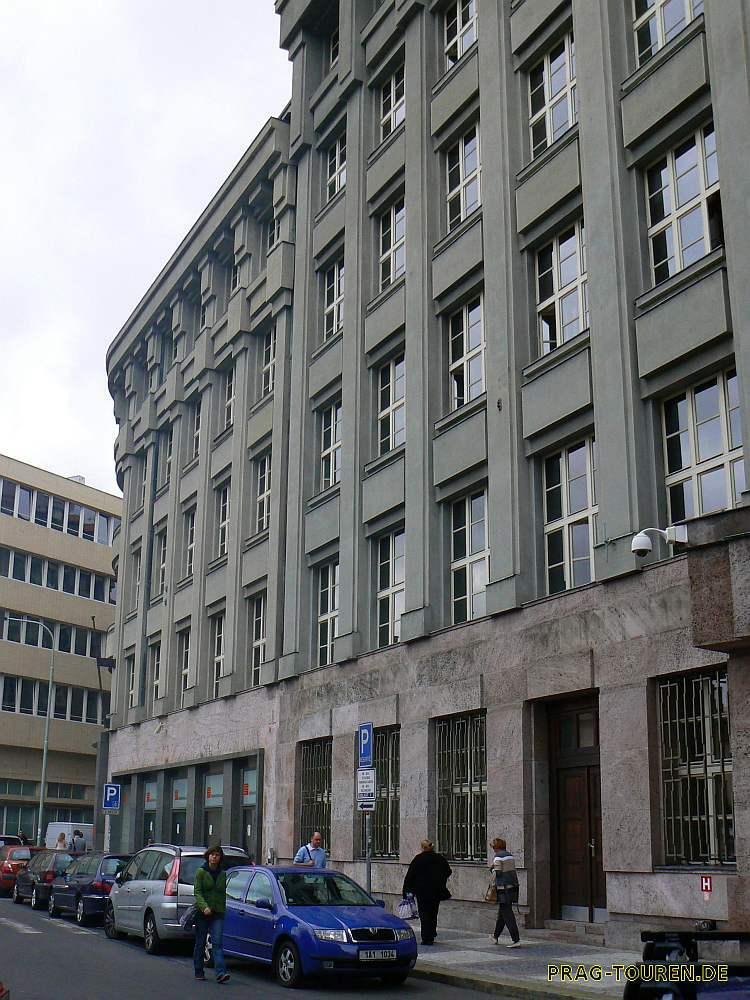 Prag touren individuelle stadtf hrungen f hrung for Architektur 1929